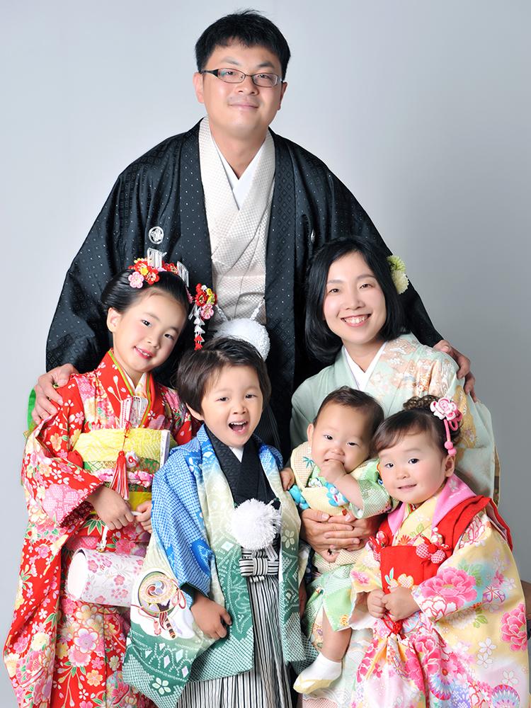 七五三 7歳 5歳 3歳 女の子 着物 家族和装 家族写真