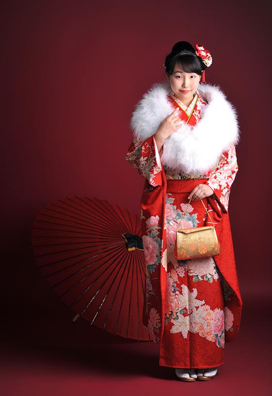 成人女性 / 振袖 / 赤 / ショール
