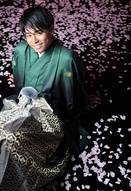 成人男性 / 紋服 / 袴 / 緑 / 桜