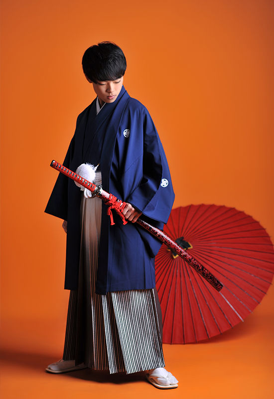 成人男性 / 紋服 / 袴 / 青 / 刀