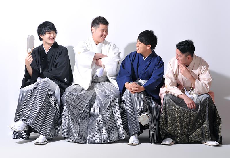 成人男性 / 紋服 / 袴 / 友達同士 / 4人