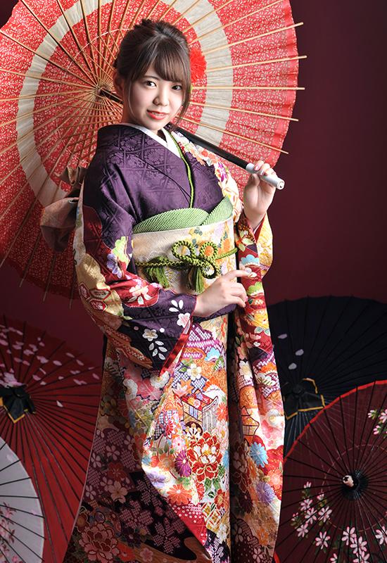 成人女性 / 振袖 / 紫 / 和傘