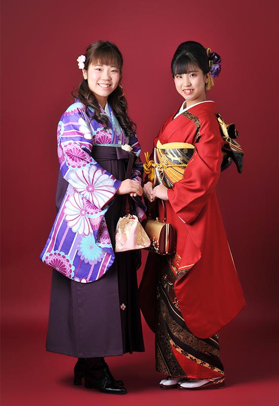 成人女性 / 振袖 / 袴 / 姉妹 / 家族和装