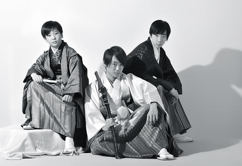 成人男性 / 紋服 / 袴 / 兄弟写真 / 家族和装