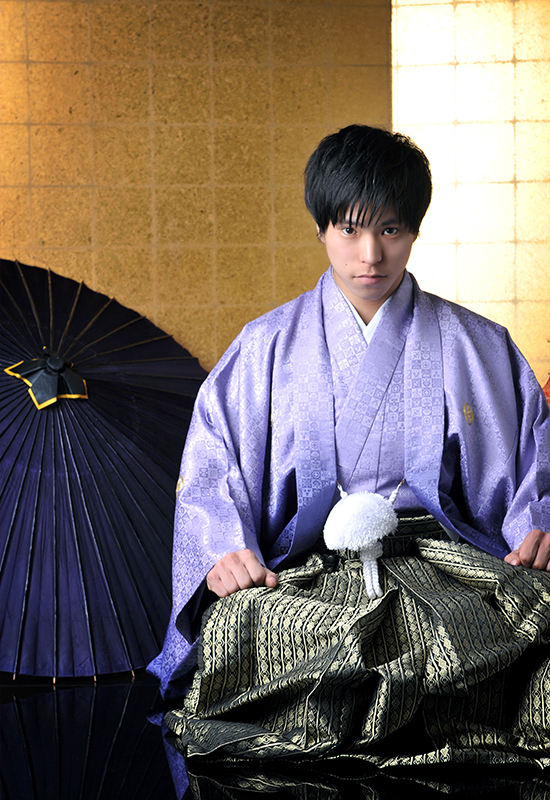 成人男性 / 紋服 / 袴 / 紫 / 金屏風