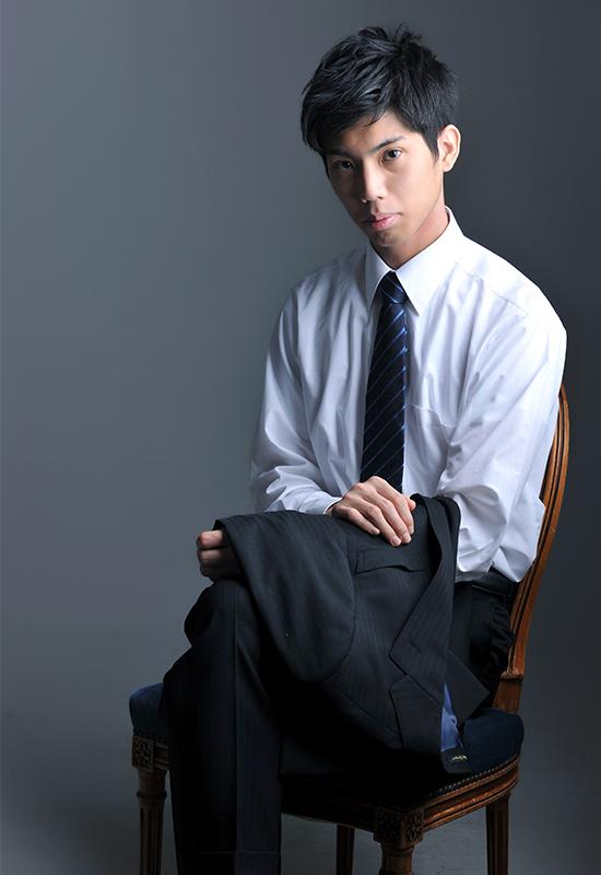 成人男性 / スーツ