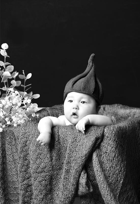 百日記念 / はだかんぼ / どんぐり帽子 / 男の子 / ひとり写真