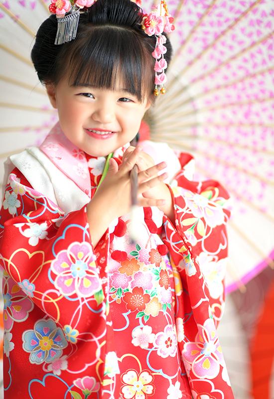 七五三3歳 / 女の子 / 着物 / 赤 / 日本髪