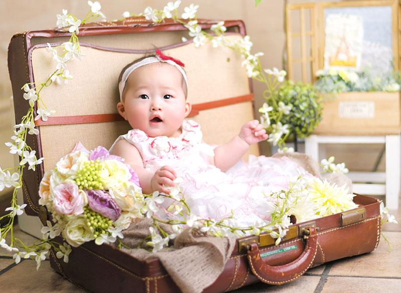 百日祝い 女の子 ドレス ピンク トランクの中