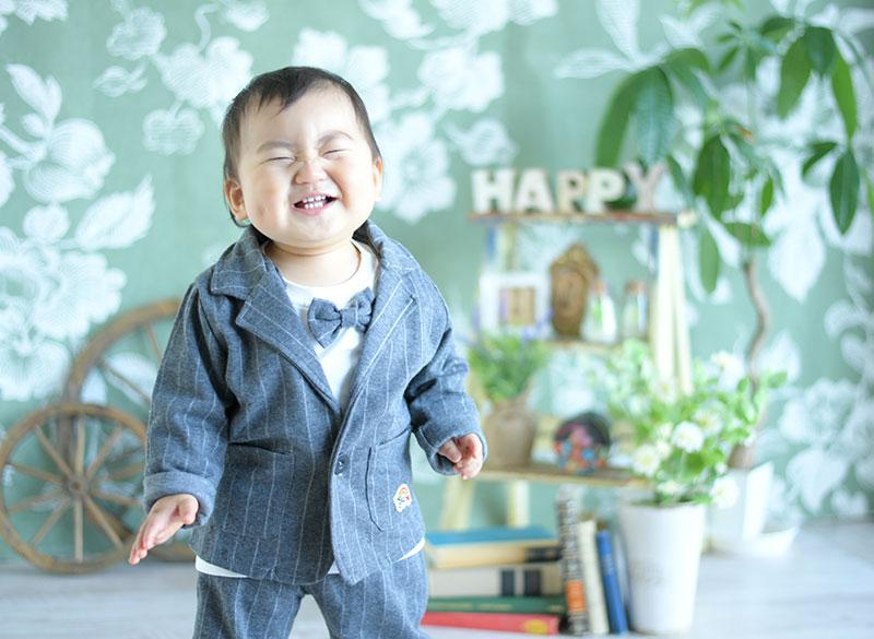 1歳 誕生日 男の子 私服 おしゃれ 良い笑顔