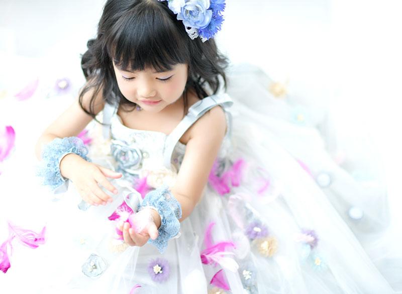 七五三 3歳 女の子 ドレス 水色 羽