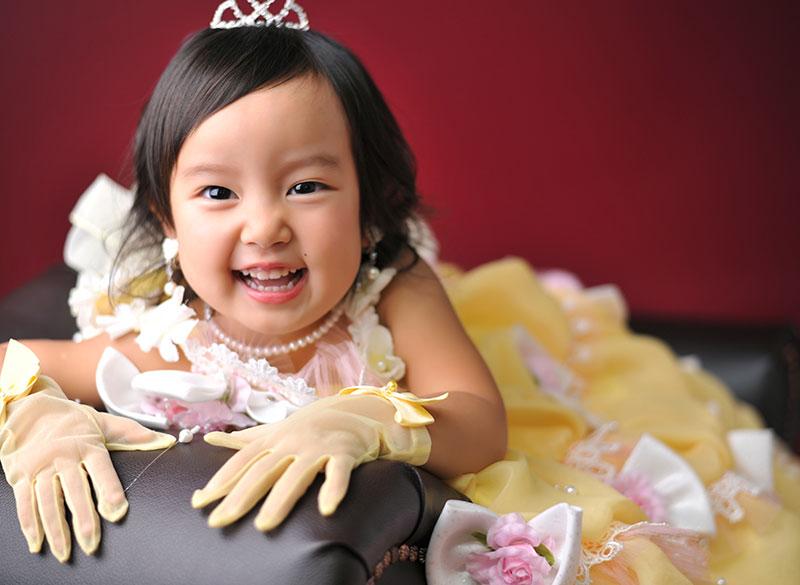 七五三 3歳 女の子 ドレス 黄色 大人っぽく