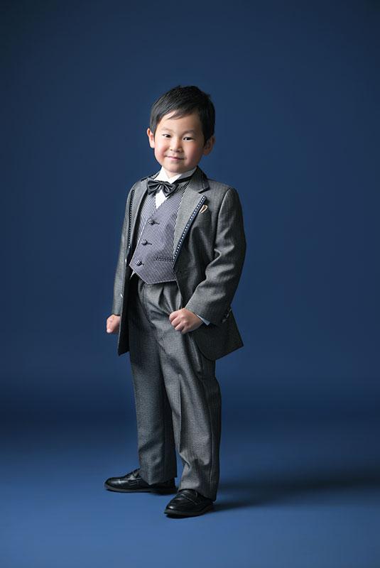 七五三 5歳 男の子 タキシード グレー 蝶ネクタイ