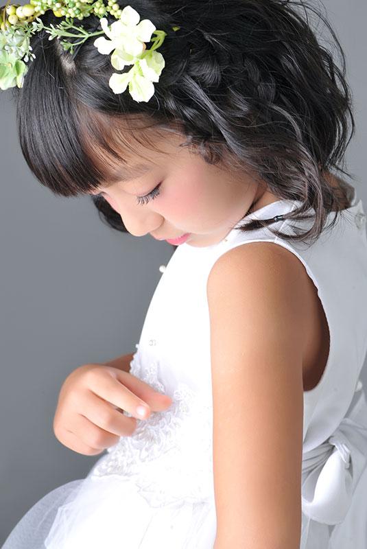 七五三 7歳 ドレス 白 花冠 ストロボ ライティング  きれい