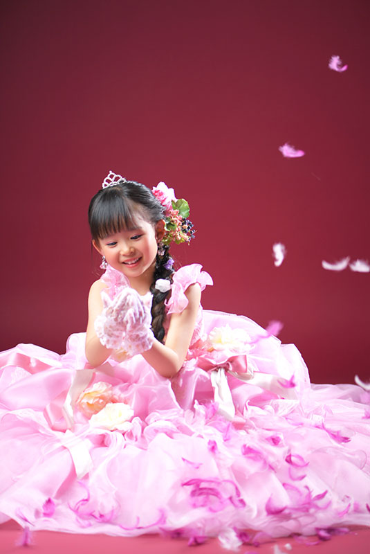 七五三 7歳 ドレス ピンク 羽吹雪 ストロボ ライティング きれい