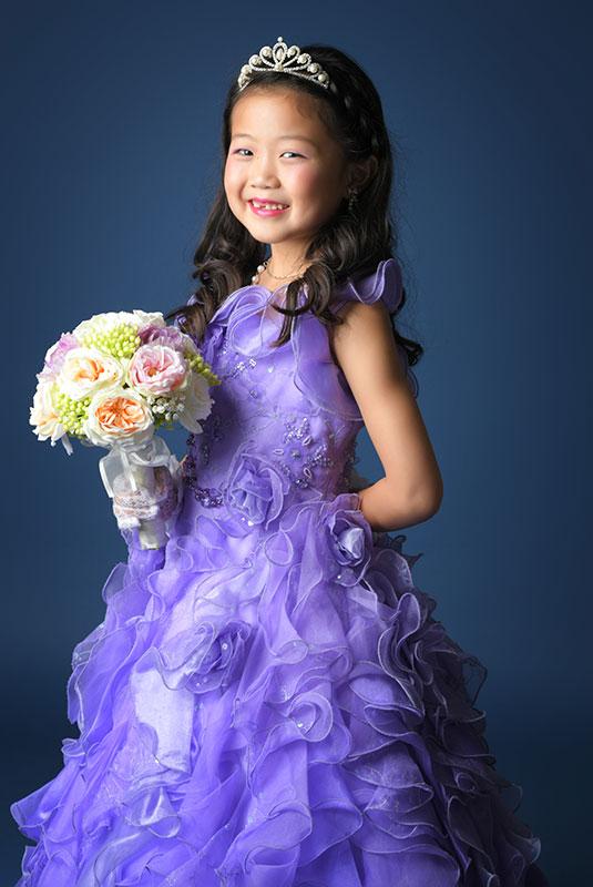 七五三 7歳 ドレス 紫 ティアラ ストロボ ライティング  きれい