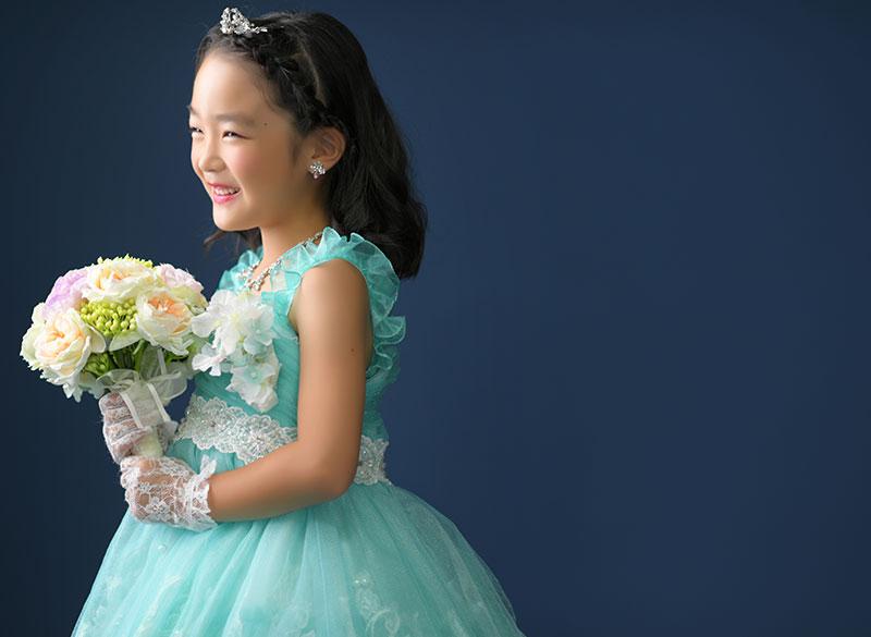 七五三 7歳 ドレス 水色 ストロボ ライティング  きれい