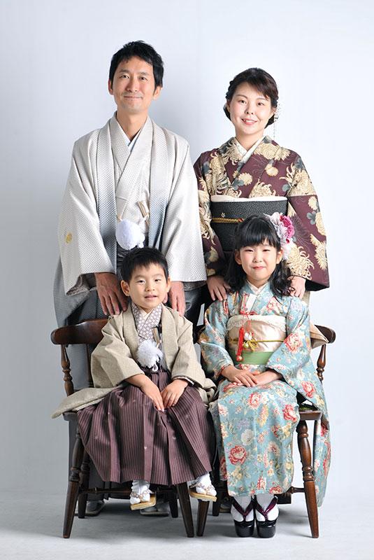 七五三 家族写真 4人 着物 家族和装 ストロボ