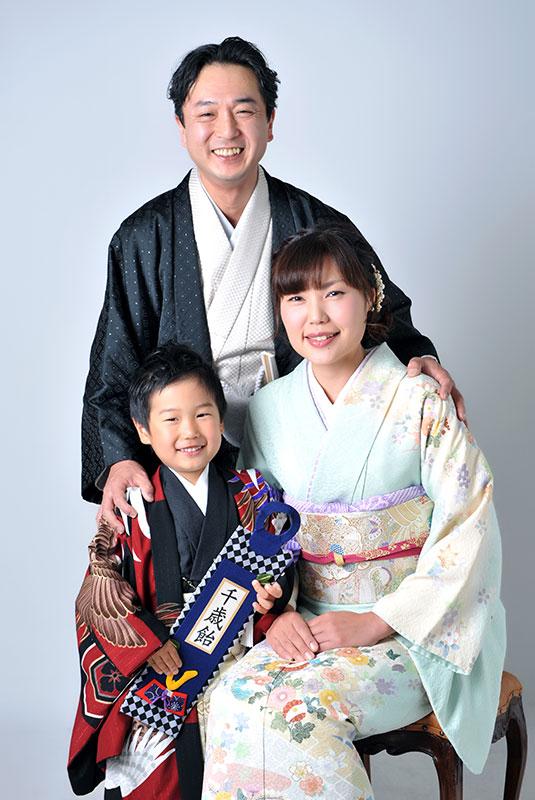 七五三 家族写真 3人 着物 家族和装 ストロボ