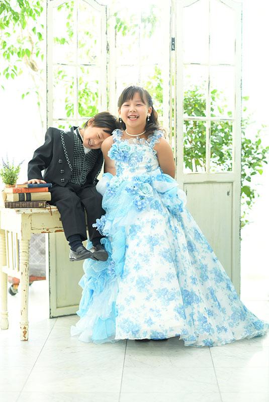 七五三 姉弟写真 2人 ドレス タキシード 自然光 おしゃれ