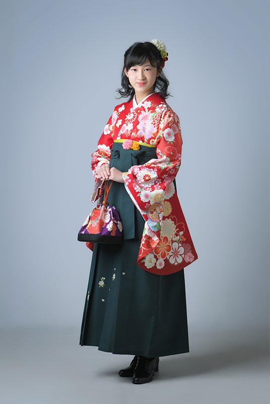卒業袴 小学校 着物 赤 袴 緑 ストロボ