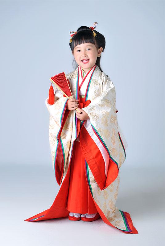 七五三 3歳 女の子 時代衣裳 十二単 ストロボ
