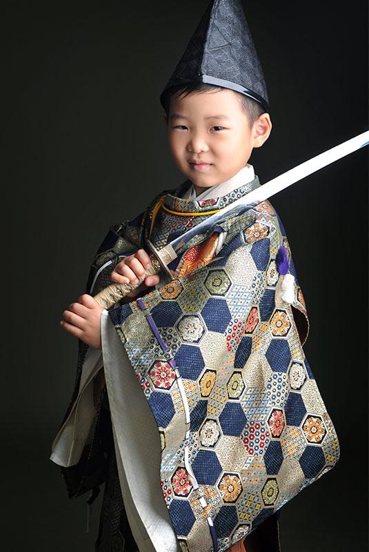 七五三 5歳 男の子 時代衣裳 水干 刀 剣 ストロボ ライティング 重厚感