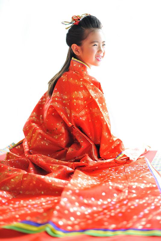 七五三 7歳 女の子 時代衣裳 十二単 自然光 きれい