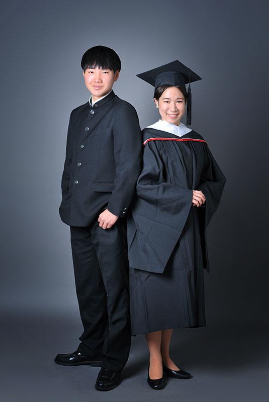 高校 卒業記念 男の子 制服 姉弟写真