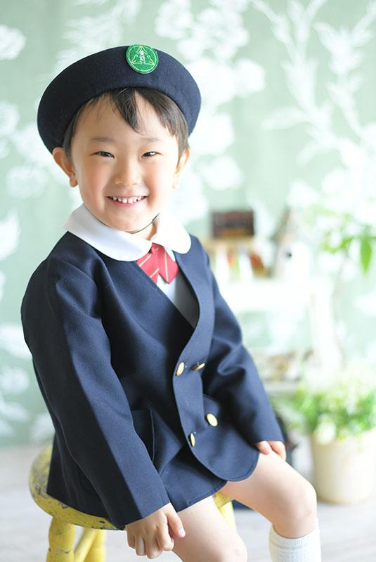幼稚園 入園記念 男の子 園服 自然光