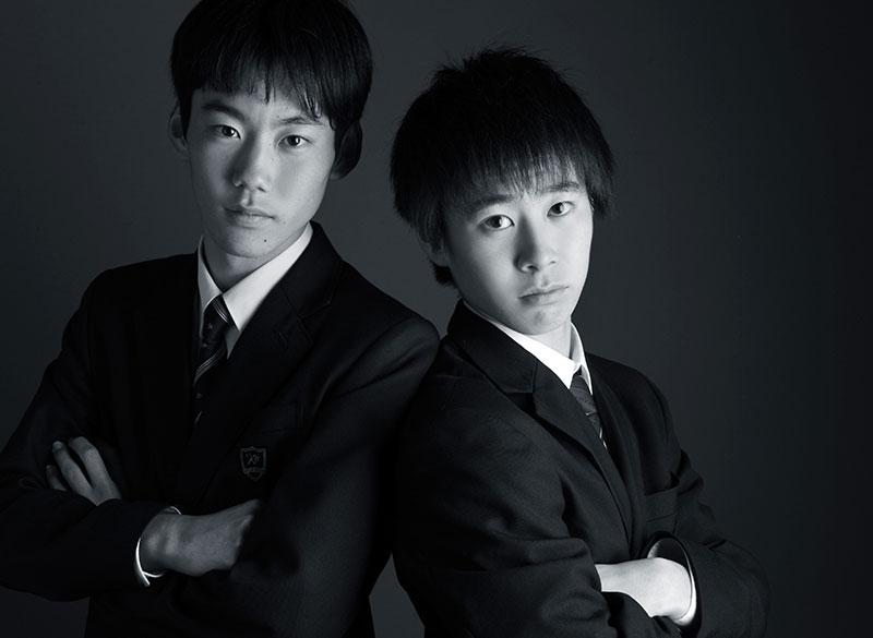中学 高校 卒業記念 兄弟写真 制服 モノクロ