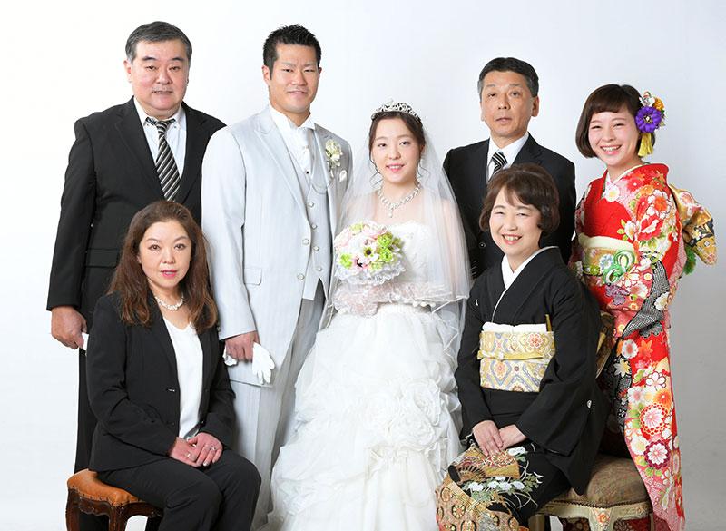 ウエディングフォト ウエディングドレス 白 家族写真 ストロボ