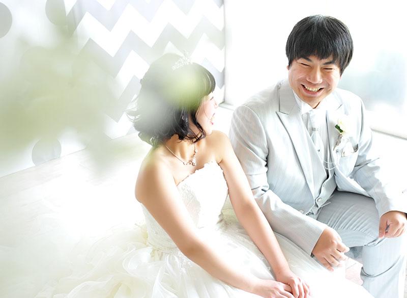 ウエディングフォト ウエディングドレス 白 自然光