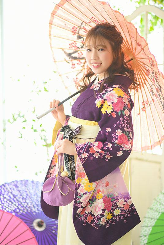 卒業袴 着物 紫 袴 アイボリー 和傘 自然光
